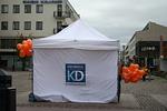 KD-teltta komistaa kaupunkikuvaa